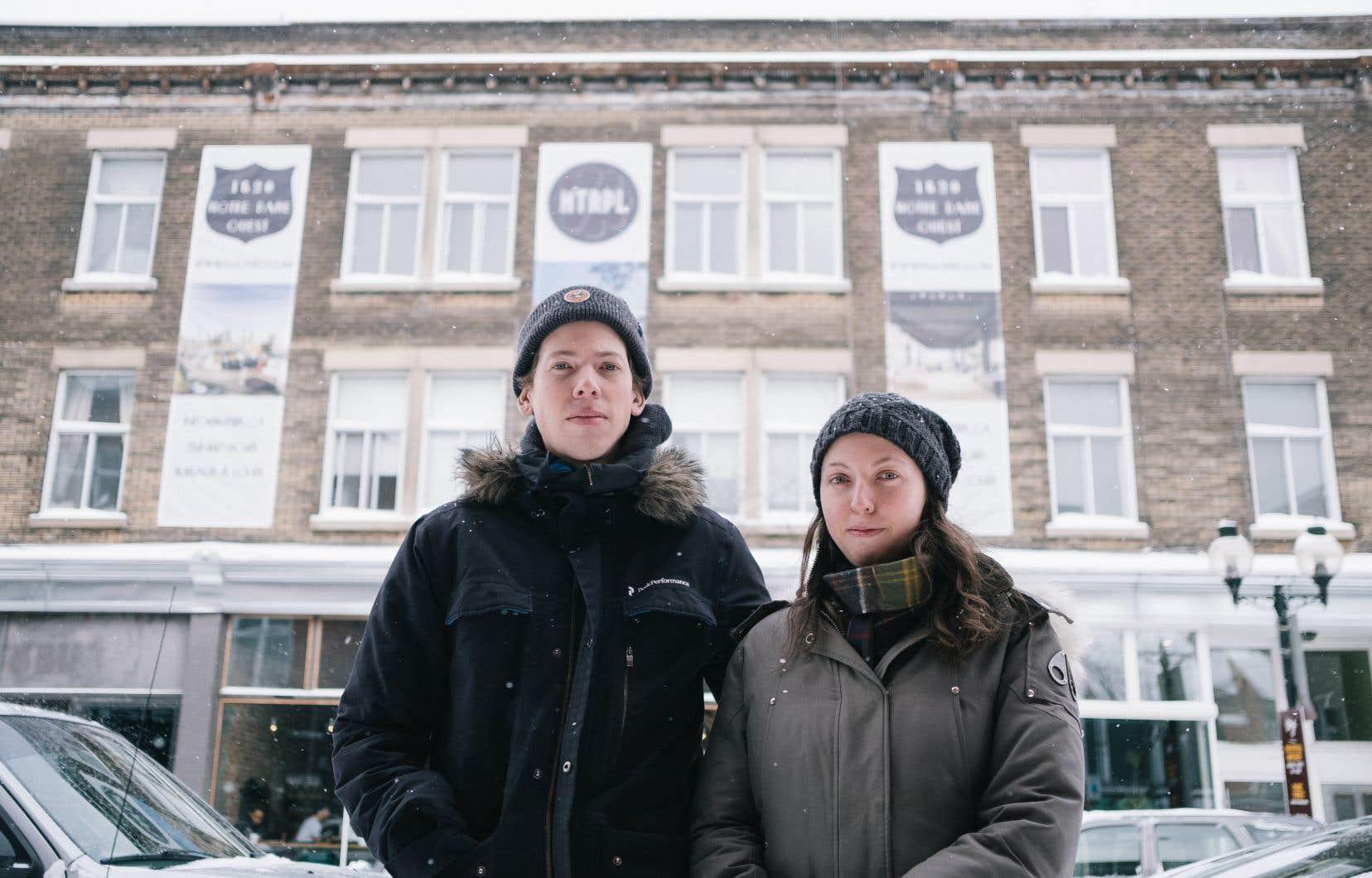 Charlotte Jacob-Maguire et Maximillian Button, dont les propriétaires essaient de les expulser pour transformer leur logement en hôtel-appartements.