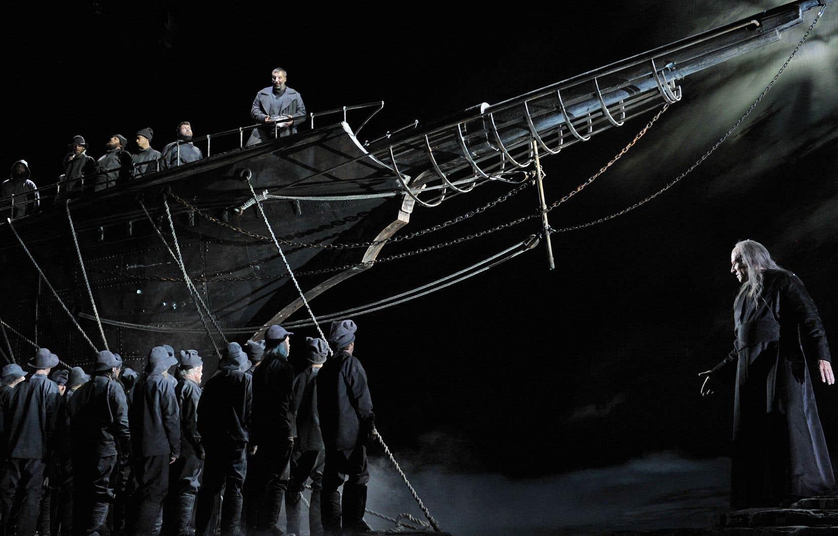 À Québec, c'est sans surprise le «Vaisseau fantôme» de François Girard au Festival d'opéra qui a été honoré. Il prendra l'affiche à New York en mars.