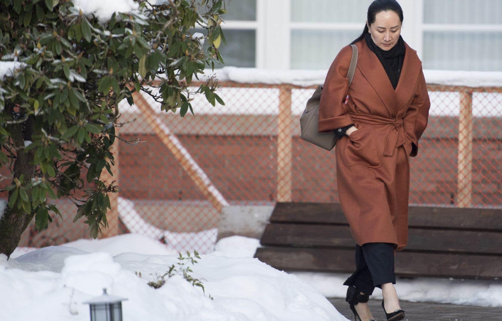 Meng Wanzhou est accusée d'avoir menti à une banque au sujet des affaires d'une filiale de Huawei en Iran, mettant l'institution financière en danger de violer les sanctions américaines contre le pays.