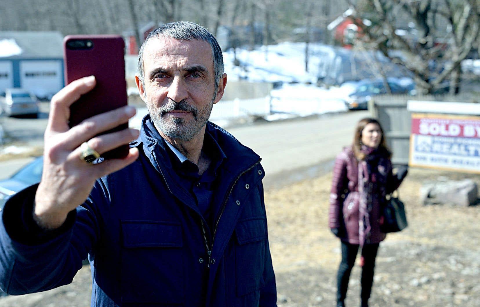 Une scène de la série «Little America», scénarisée par les acteurs-auteurs Kumail Nanjiani et Emily V. Gordon
