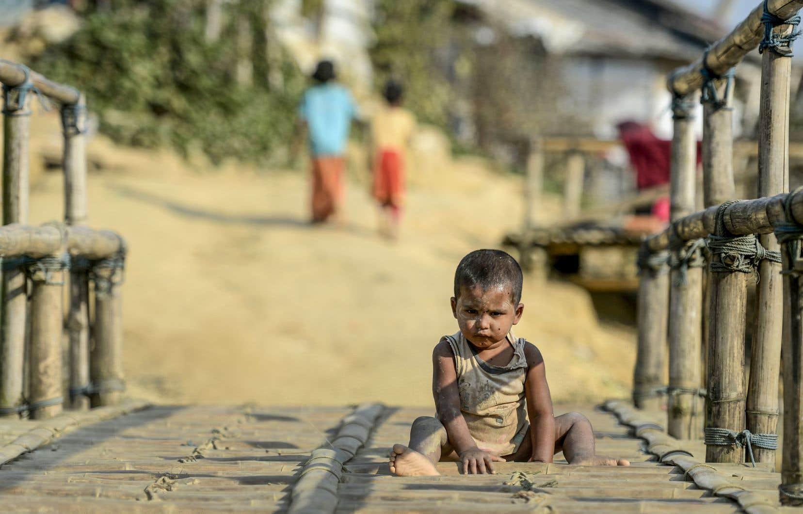 Depuis août 2017, environ 740 000 Rohingyas se sont réfugiés au Bangladesh pour fuir les exactions de militaires myanmarais et de milices bouddhistes.