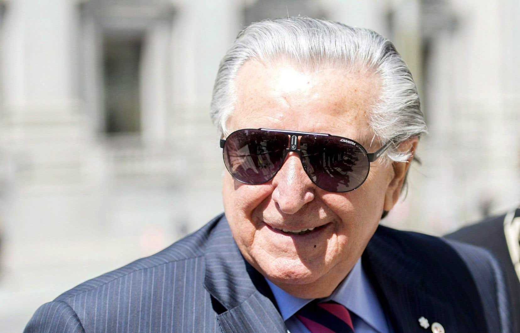 Lino Saputo a payé tous les frais de publication de sa biographie, l'éditeur abandonnant son droit de regard sur l'œuvre.