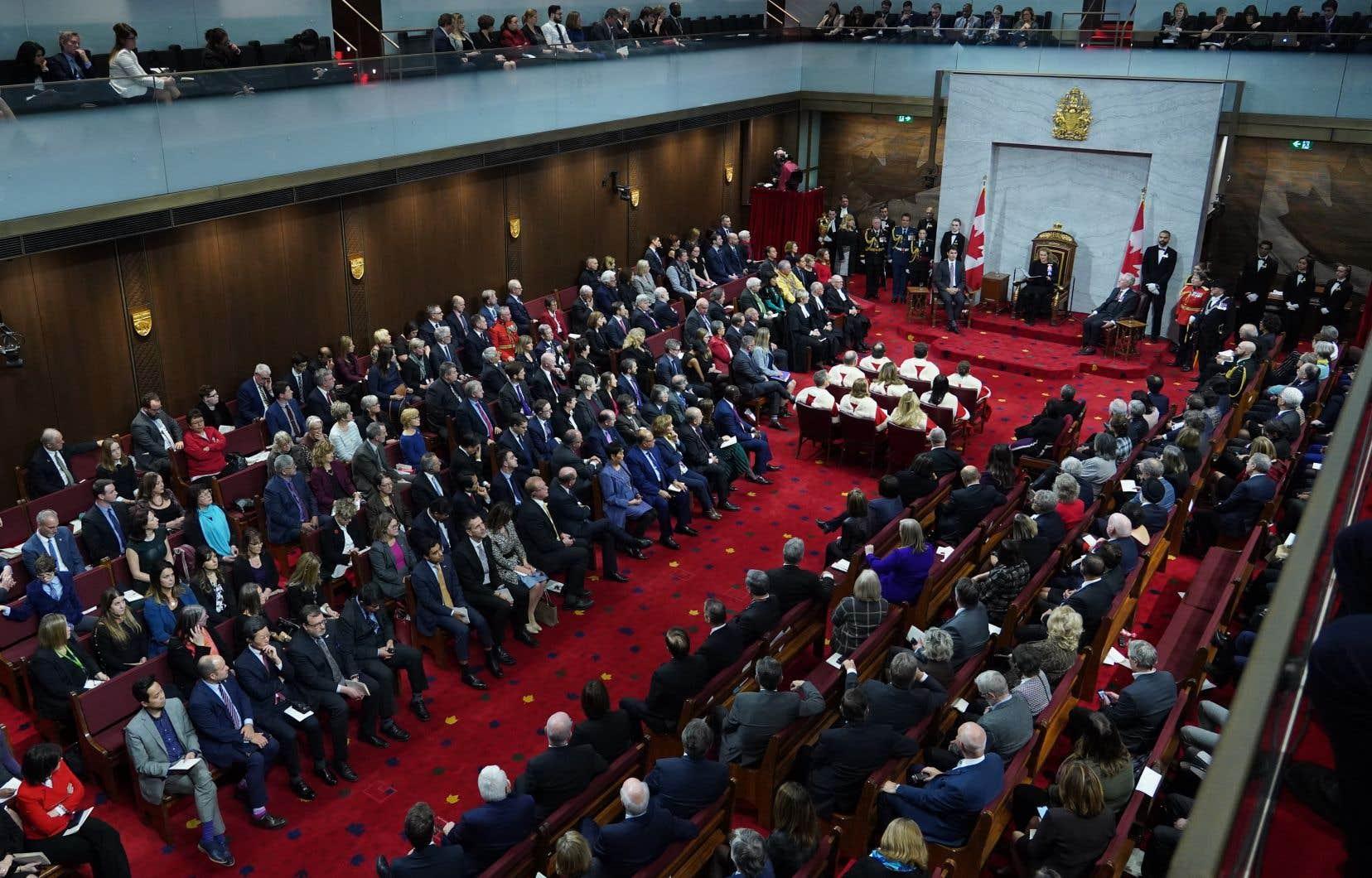 La majorité des sénateurs s'affichent maintenant comme indépendants.