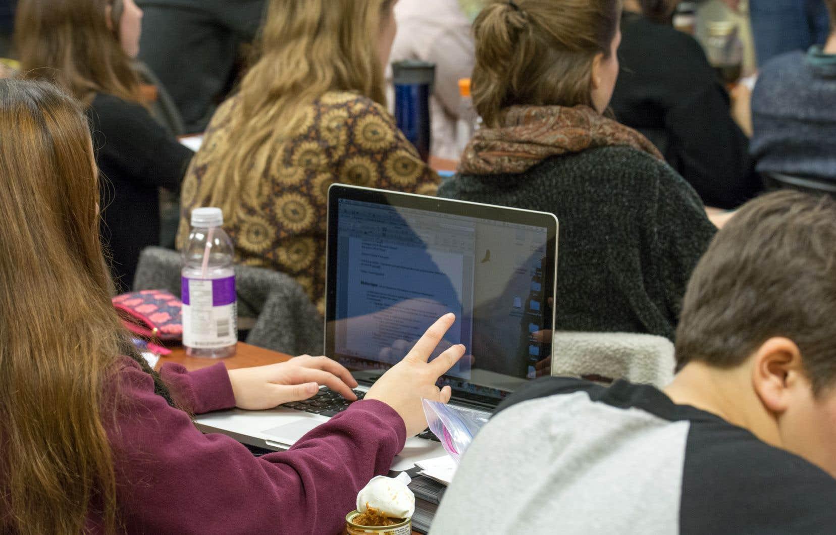 Les programmes bilingues en sciences humaines et en sciences de la nature ont été autorisés en 2019-2020.