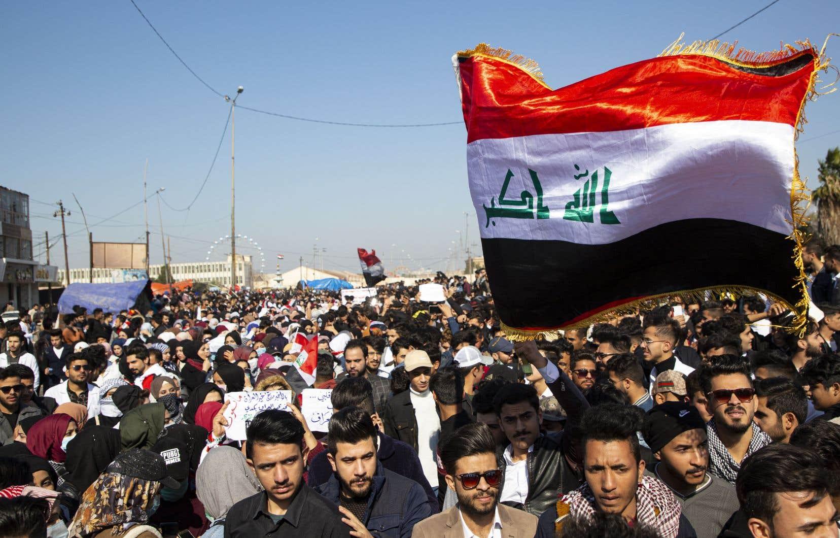 Dimanche, des milliers d'étudiants ont à nouveau envahi des rues et des places de Bagdad et de plusieurs villes du sud du pays.