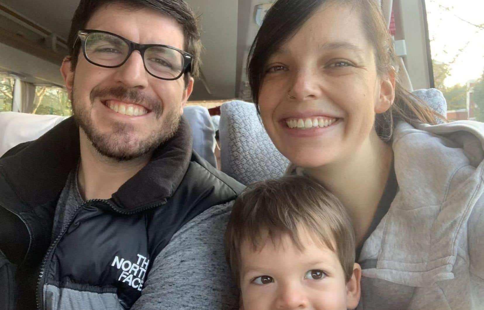 Une Canadienne enceinte coincée à Wuhan avec son mari et leur enfant