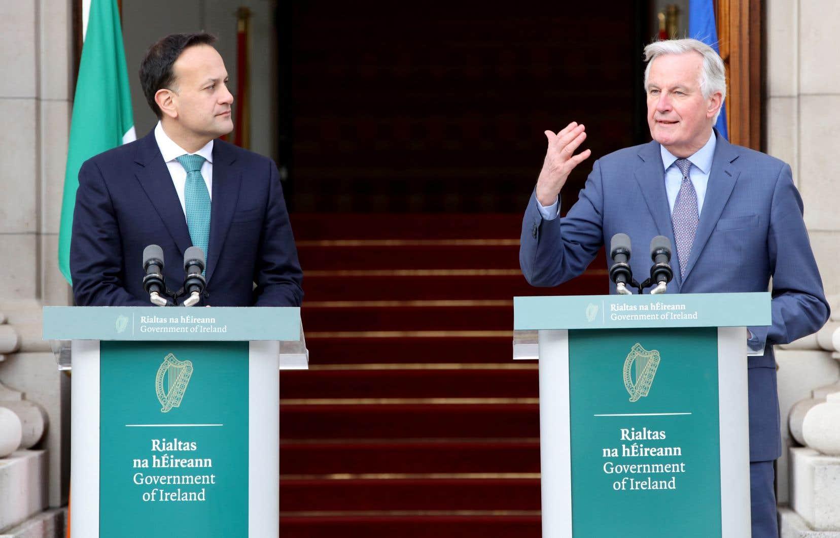 Le négociateur en chef de l'UE, Michel Barnier, s'exprime lors d'une conférence de presse avec le premier ministre irlandais, Leo Varadkar.