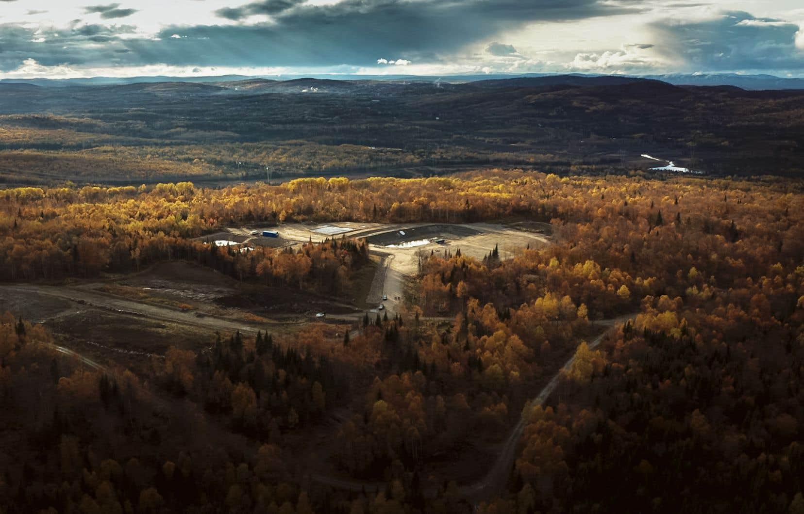 L'actuel site d'exploration minière de la compagnie Nouveau Monde Graphite, situé près de Saint-Michel-des-Saints, dans le nord de la région de Lanaudière, ferait place à la plus grande mine à ciel ouvert du sud du Québec.