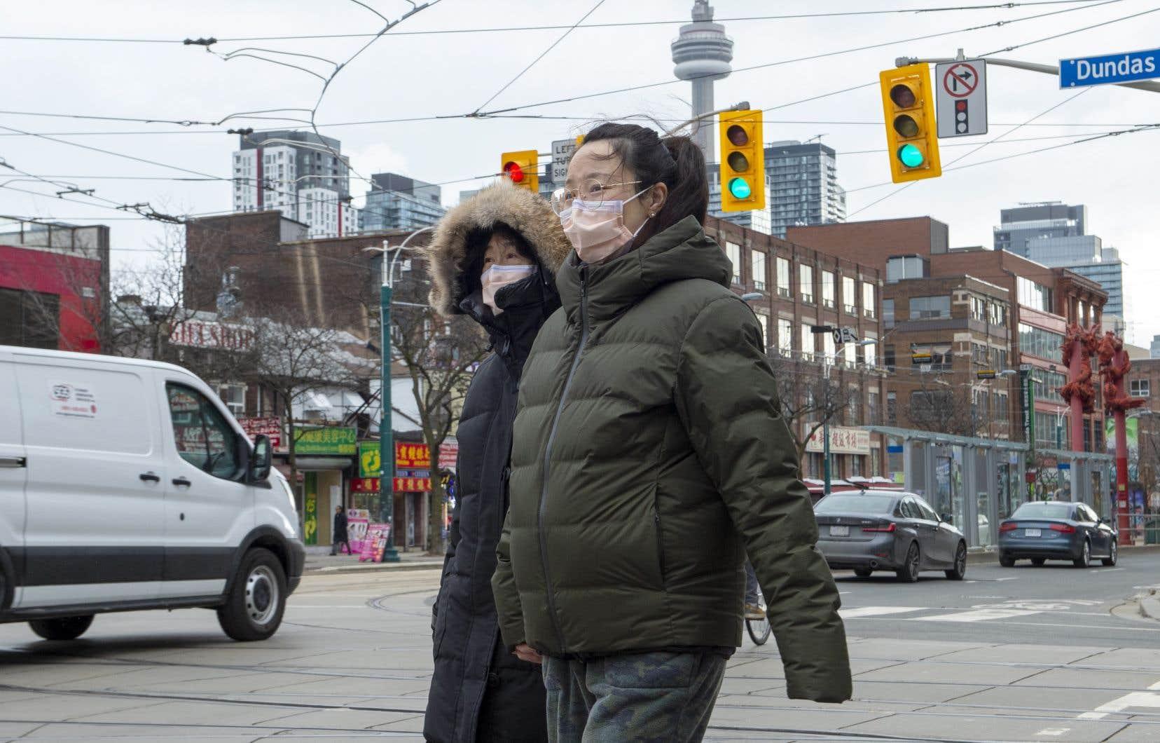 <p>Les responsables de la santé publique en Ontario attendent les résultats des tests menés sur 19 personnes, mais ont éliminé le diagnostic du coronavirus chez 15 autres.</p>