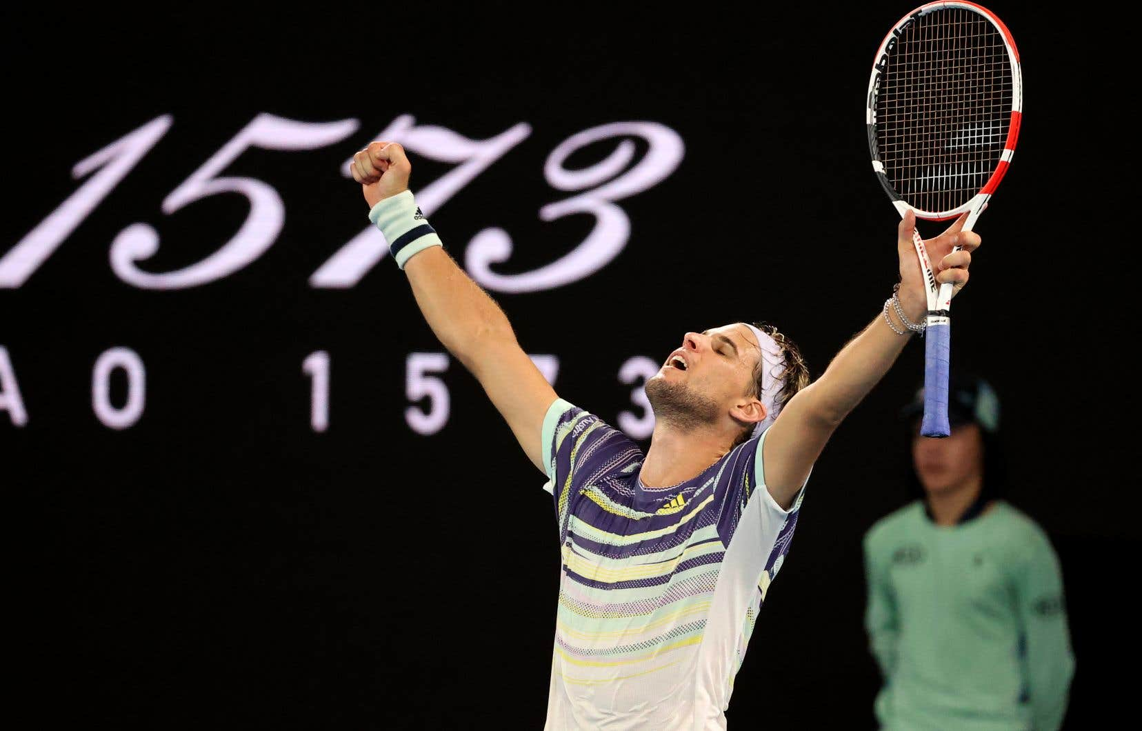 Thiem a mis quatre heures et 10 minutes pour venir à bout de Nadal 7-6 (3), 7-6 (4), 4-6 et 7-6 (6).
