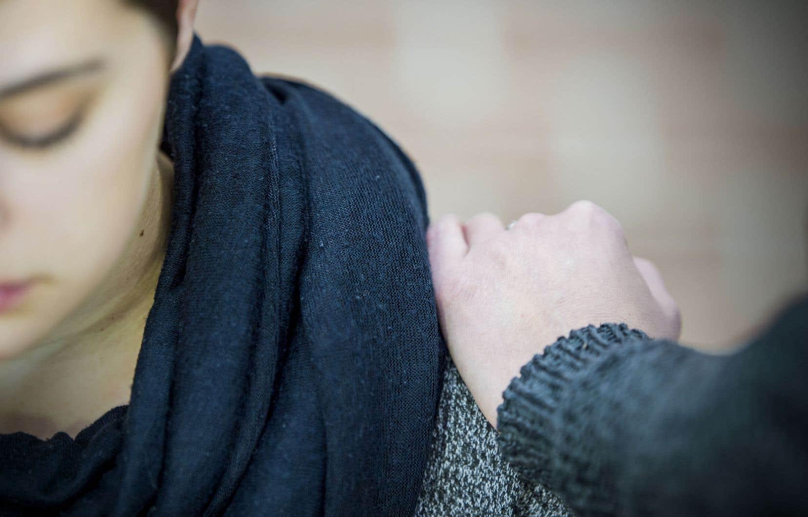 «Ce qui m'a sauvée, ce sont des mains tendues, des mains qui n'allaient pas me laisser tomber. Coûte que coûte», déclareRenée Charron.