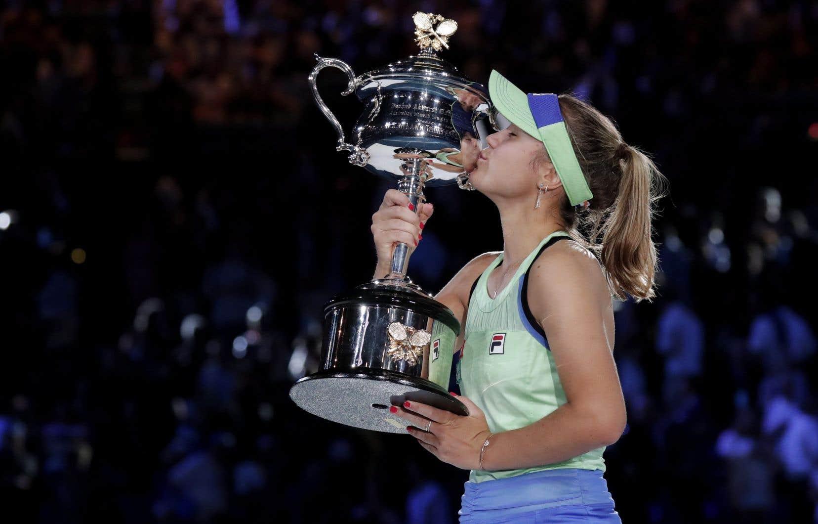 La joueuse de tennis âgée de 21 ans, 14e tête de série, a ainsi décroché son premier titre du Grand Chelem en carrière.