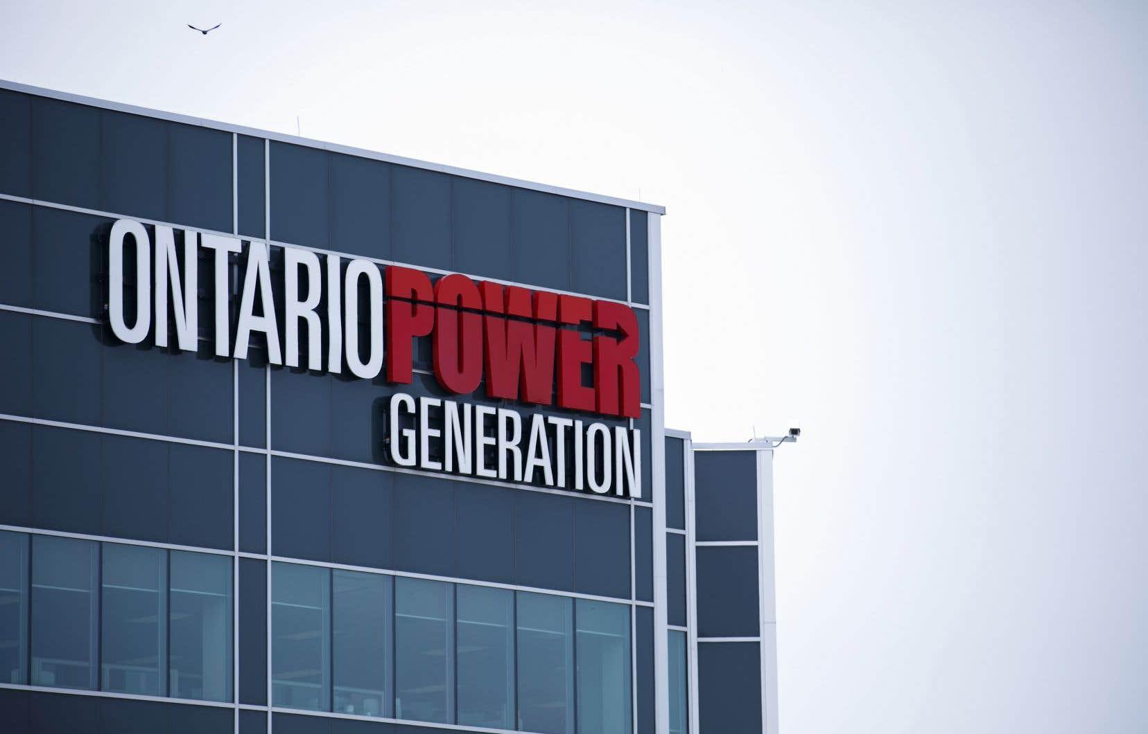 Le géant des services publics de la province, Ontario Power Generation, voulait construire cette installation à 1,2km du lac Huron pour l'entreposage permanent des déchets radioactifs de faible et moyenne activité.