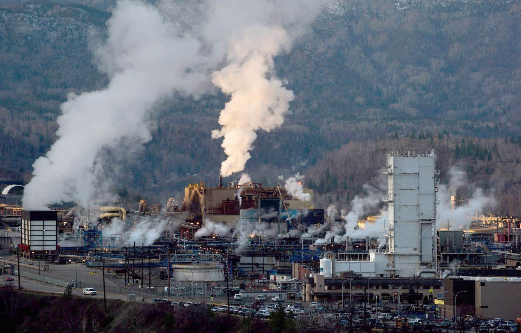 Une usine de Teck Resources propuisant du plomb et du zinc à Trail, en Colombie-Britannique