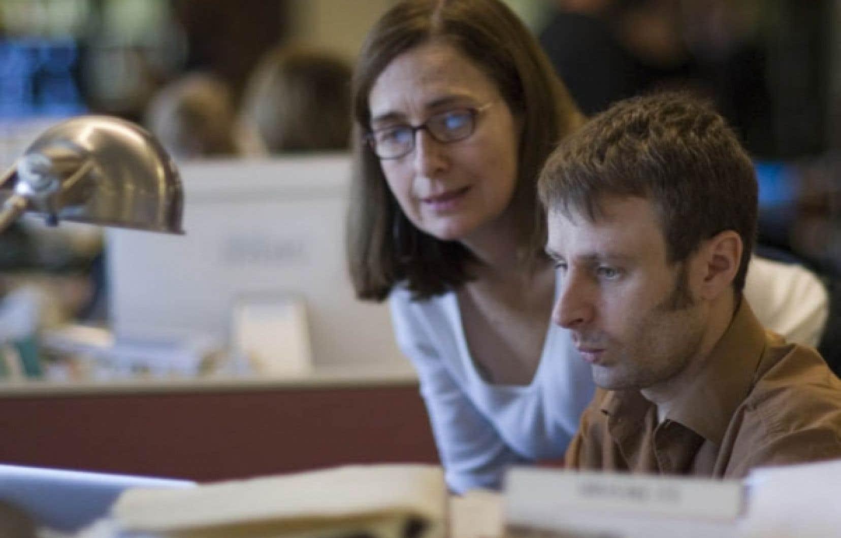 Nicolas Dickner et son acolyte pour la journ&eacute;e, la journaliste scientifique Pauline Gravel, dans le feu de l&rsquo;action.<br />