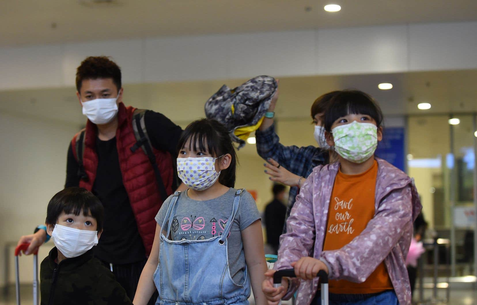 <p>Le directeur de l'OMS aannoncé que l'agence spécialisée des Nations unies allait dans un premier temps envoyer vers 24 pays des équipements de protection, dont 500000 masques et 350000 paires de gants.</p>