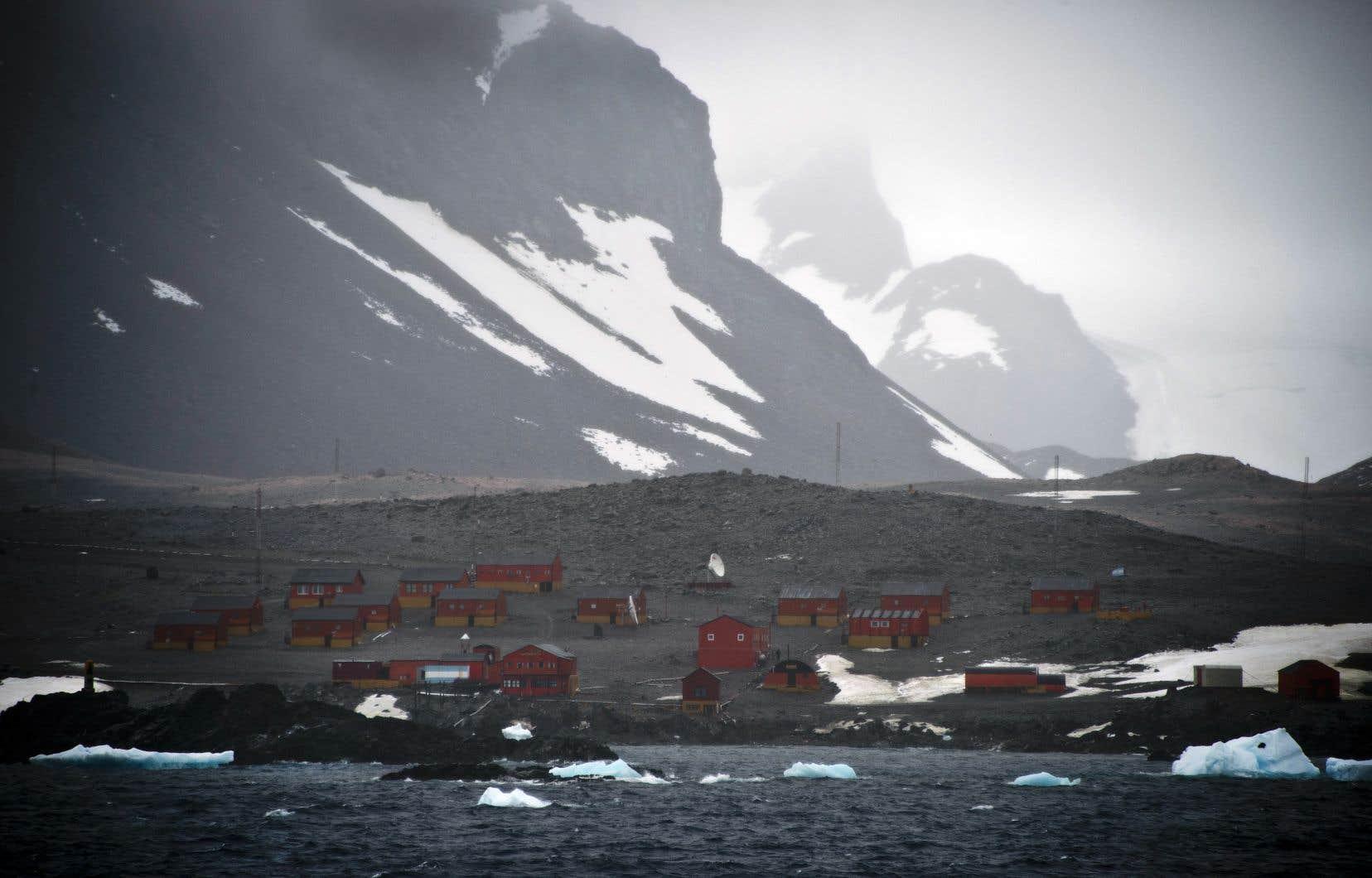 <p>L'avenir des régions côtières et de leurs millions d'habitants dépend de la masse de glace recouvrant l'Antarctique occidental.</p>