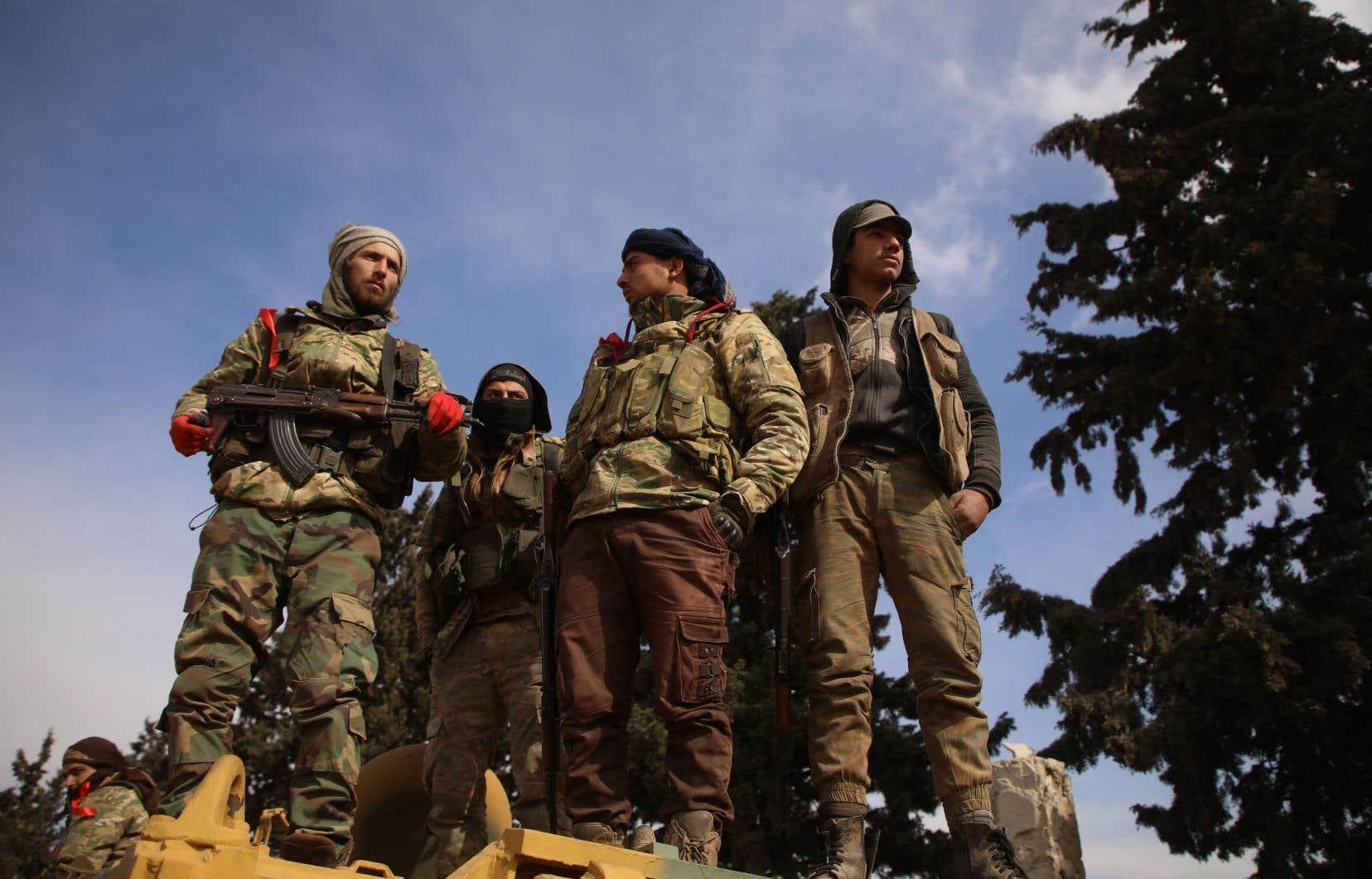 Lundi soir, Ankara, qui soutient certains groupes rebelles et dispose de troupes dans la région, a annoncé avoir «neutralisé» plus de 100 soldats du régime syrien.