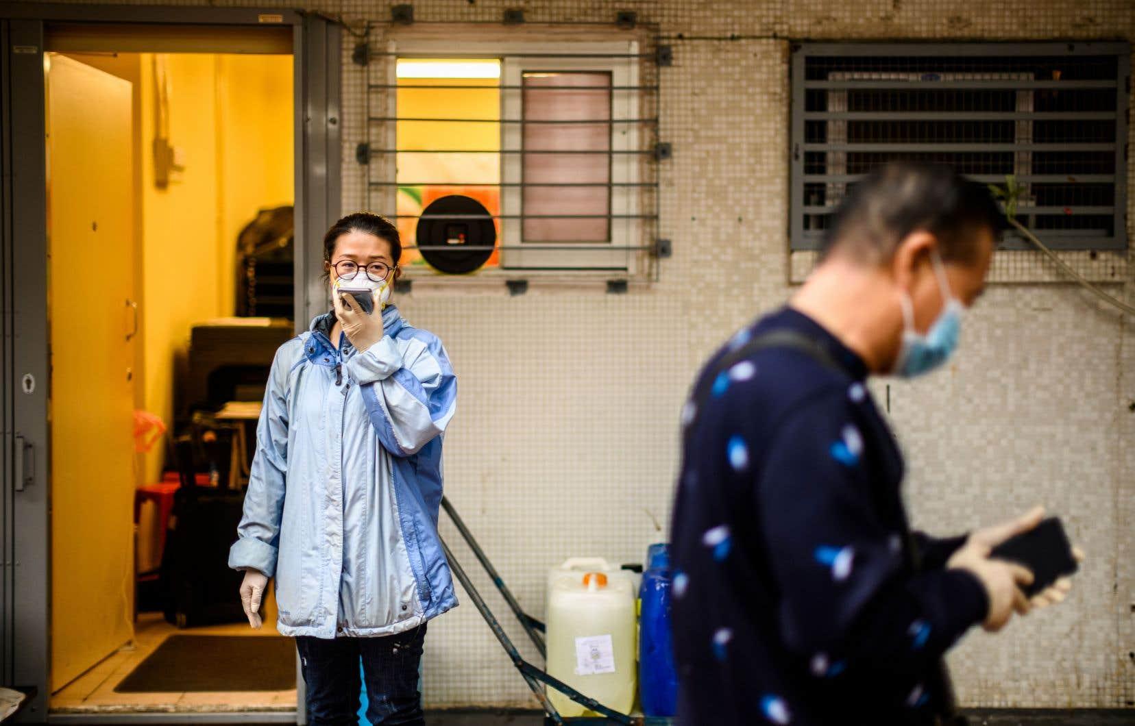 <p>Plus de 44200 personnes ont été contaminées répertoriés en Chine, selon des chiffres rendus publics par le gouvernement.</p>