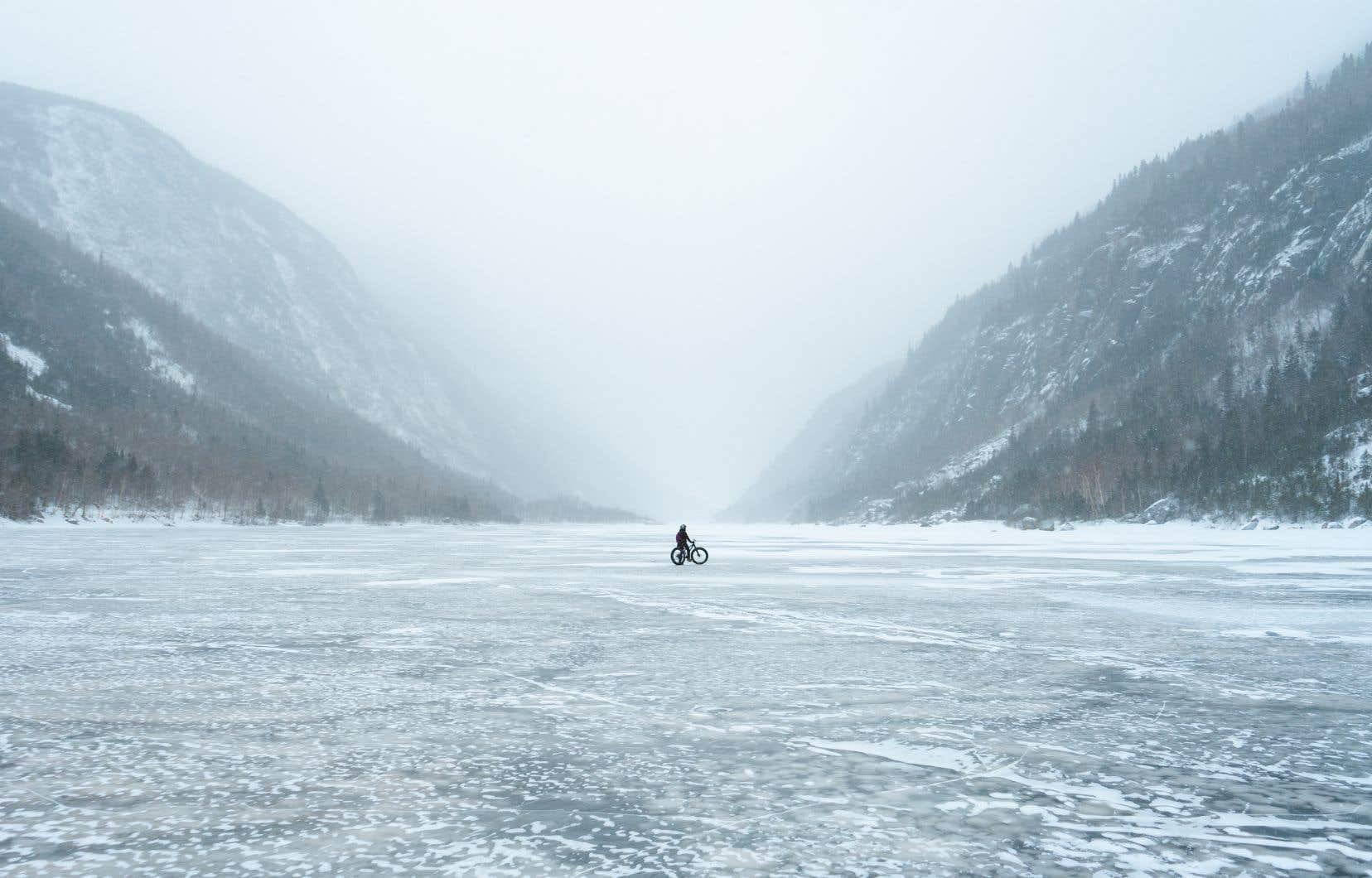 Dans Charlevoix, les congressistes peuvent s'adonner au «fatbike» dans le parc national des Hautes-Gorges-de-la-Rivière-Malbaie, entre deux réunions d'affaires.
