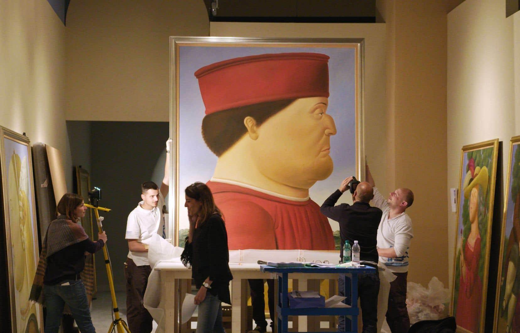 Si la signature de Fernando Botero est reconnaissable entre toutes (variété des techniques, explosion de couleurs ou minimalisme chromatique, parfum de sensualité, dialogue constant avec l'histoire de l'art ou l'actualité brûlante) tout revient toujours à la grosseur de ses personnages.