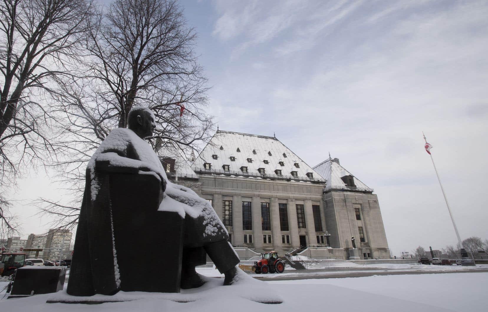 La Cour suprême du Canada a décidé d'entendre deux appels qui avaient été initiés pour mettre fin à l'isolement préventif, communément appelé «le trou».