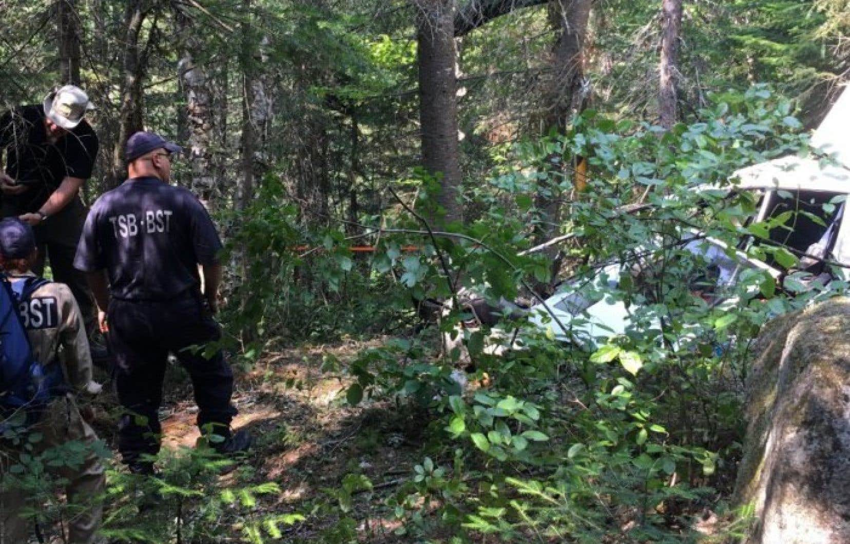 <p>L'hélicoptère a été localiséle 25juillet, dans un secteur boisé près du lac Valtrie, dans les Laurentides.</p>