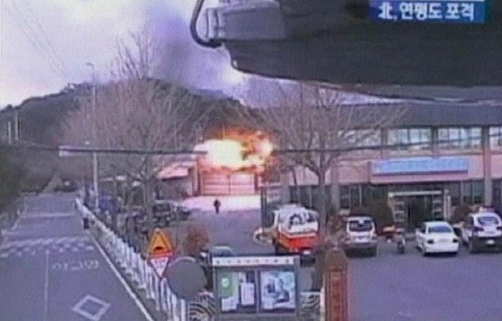 Photo provenant de la chaîne de télévision KBS, pendant l'échange de tir. <br />