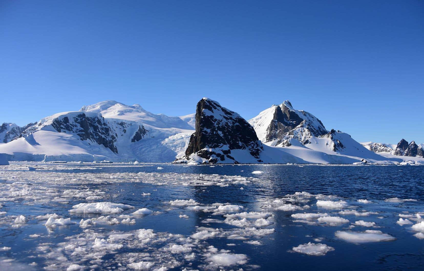 C'est 8% du pergélisol qui est menacé de disparition, principalement dans l'Antarctique Ouest où la perte des glaces s'est accélérée dans les premières décennies de ce siècle.