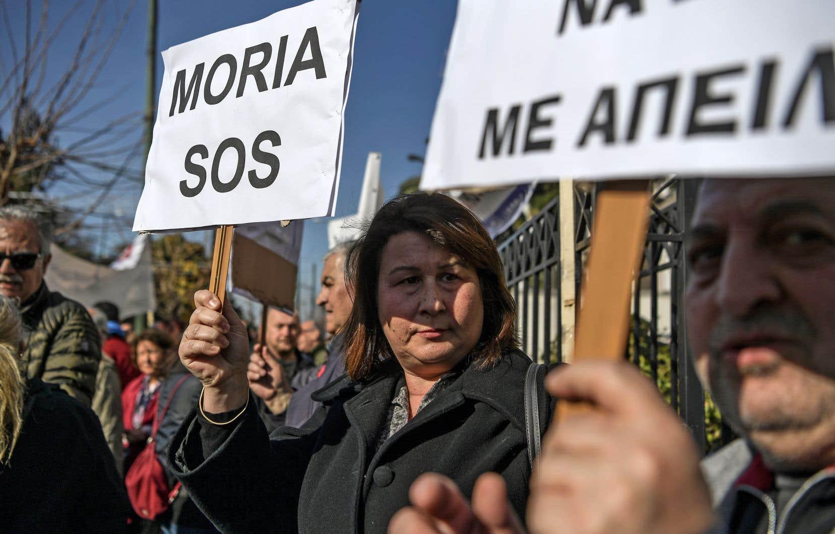Des dizaines d'habitants des îles grecques ont manifesté à Athènes contre le projet du gouvernement conservateur de Kyriakos Mitsotakis.