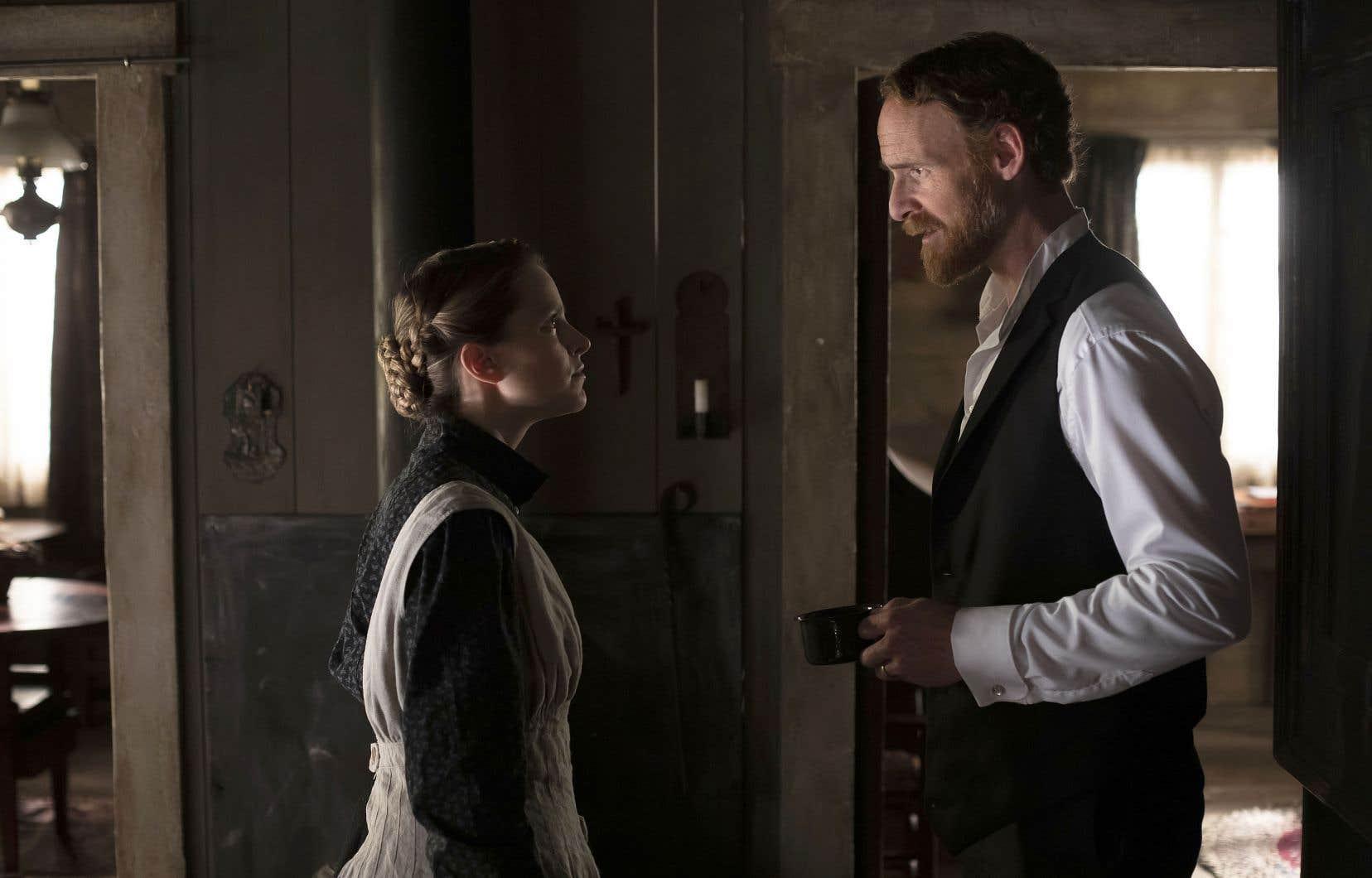 La tentation est grande de présenter des personnages «en avance sur leur temps», telle Donalda (Sarah-Jeanne Labrosse), ici face à Séraphin (Vincent Leclerc).