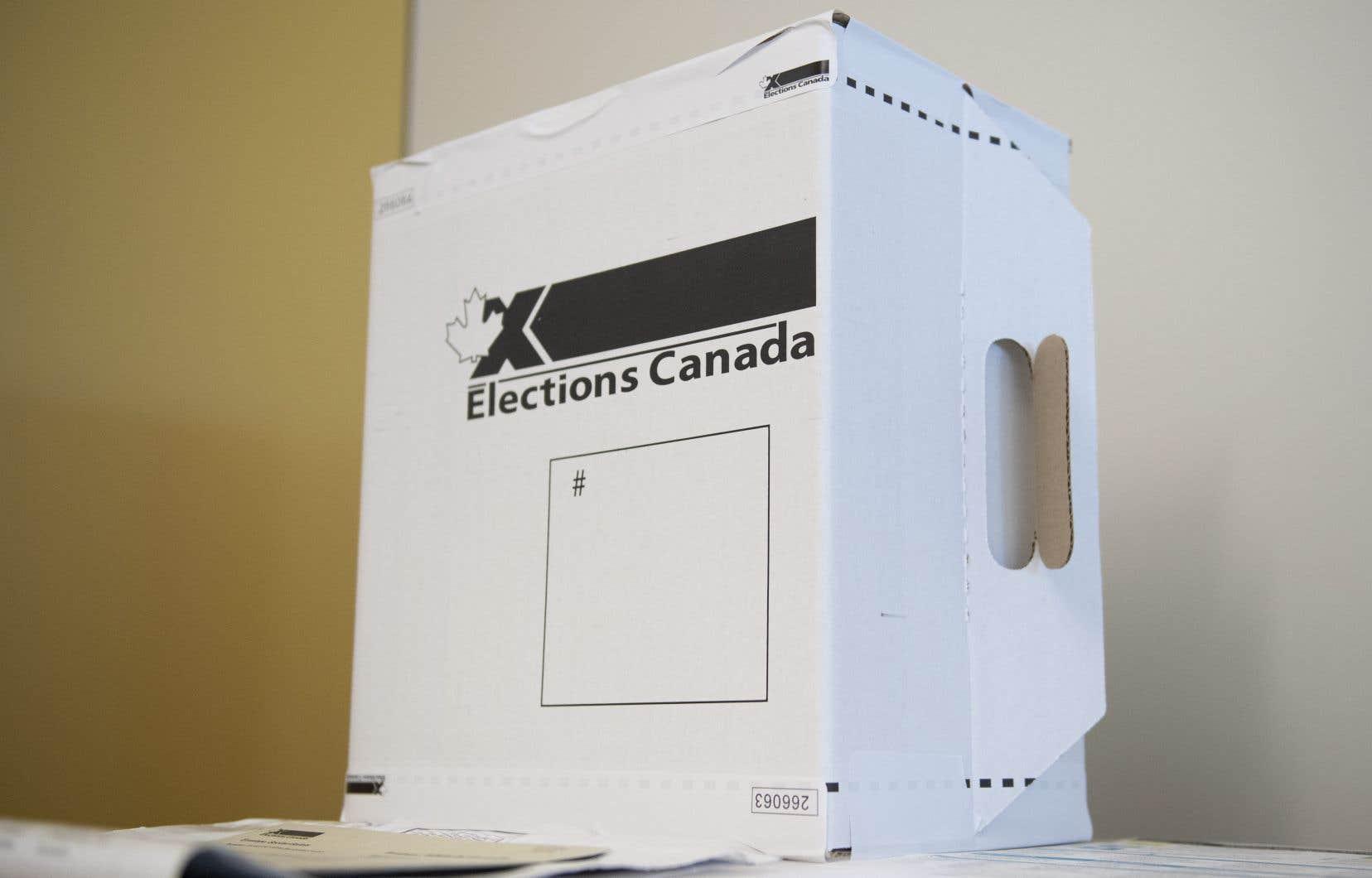 L'élection de l'automne 2019 aura par ailleurs été la plus coûteuse de l'histoire du Canada, avec un coût estimé de 504millions de dollars.