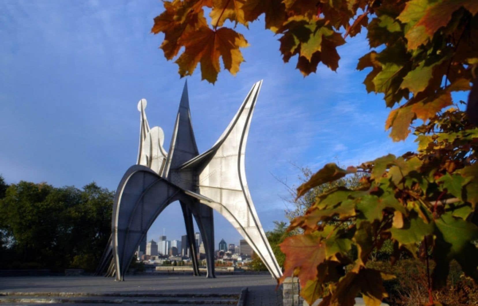 Depuis L'Homme de Calder (1967), maintenant plantée dans le parc Jean-Drapeau, Montréal n'a pas ajouté une seule œuvre monumentale.