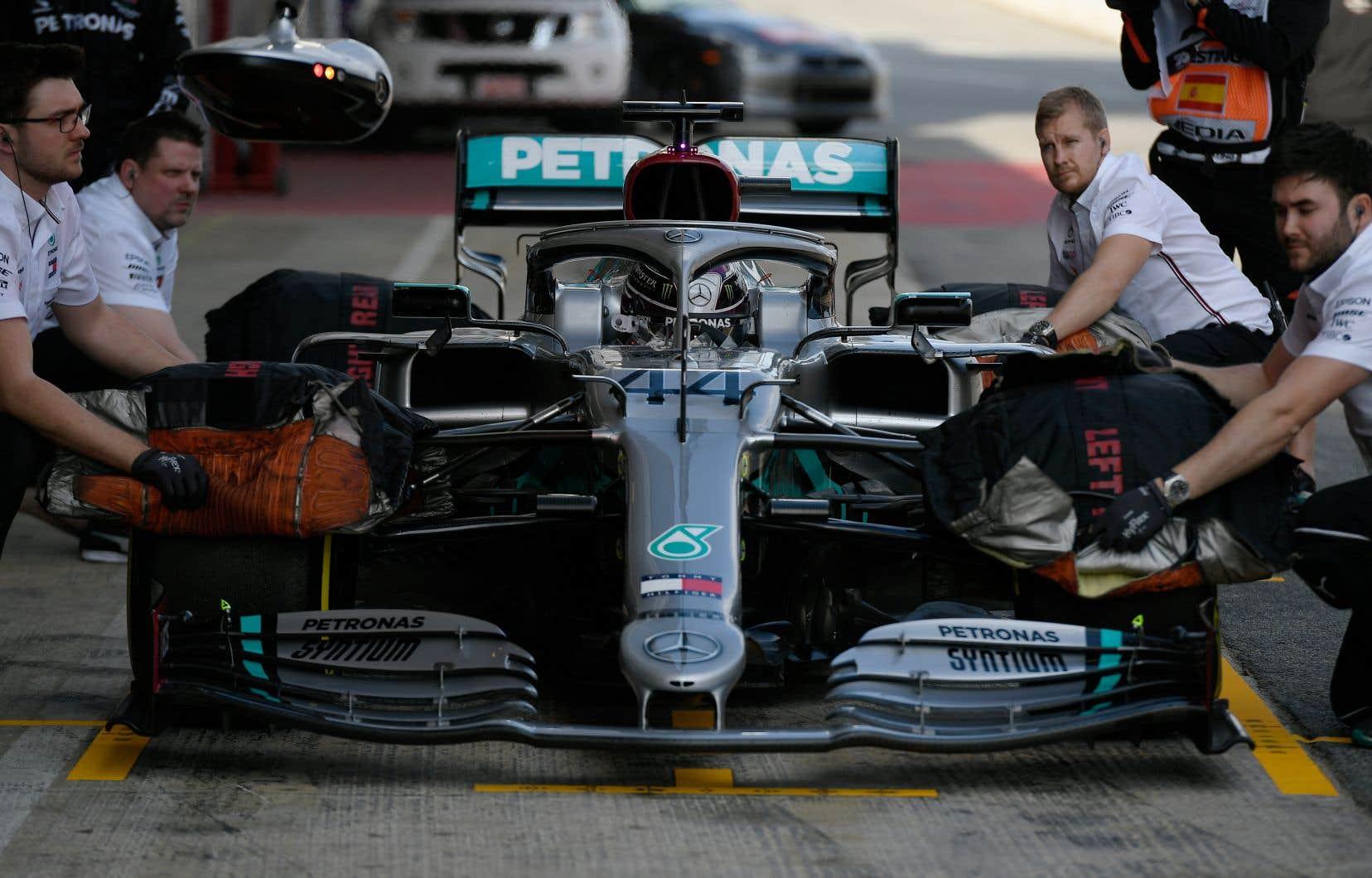Avec un temps d'une minute et 16,976 secondes, Hamilton s'est révélé le pilote le plus rapide.