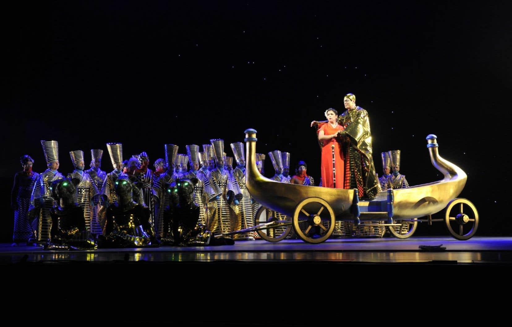 John Relyea (Sarastro) et Simone Osborne (Pamina) dans «La flûte enchantée» de Robert Lepage à Québec