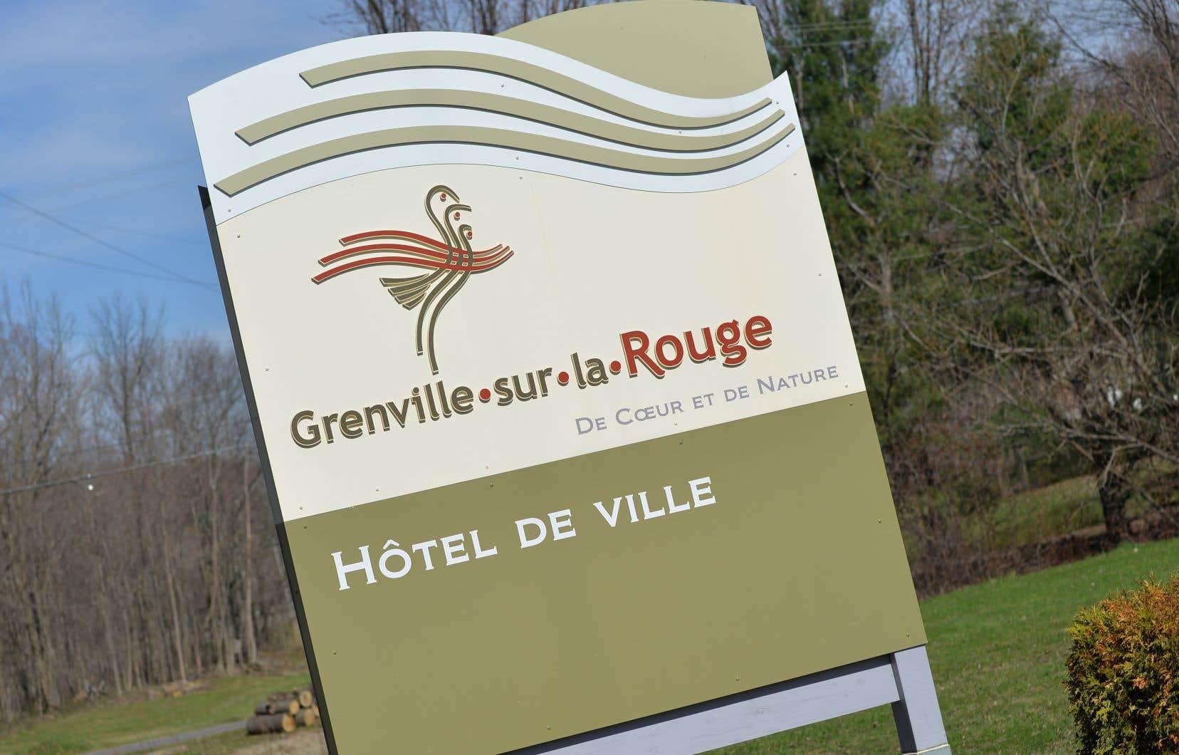 L'entreprise de Vancouver poursuivait Grenville-sur-la-Rouge, municipalité de 2800 âmes, pour avoir modifié son règlement de zonage, ce qui a mis un frein à son projet d'y exploiter une carrière de marbre et une mine de graphite à ciel ouvert.