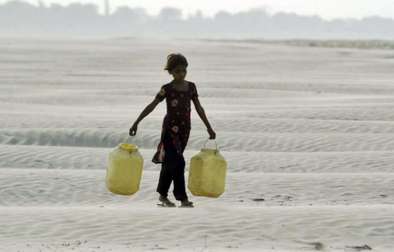 Le nombre d'individus vivant dans l'extrême pauvreté, comme cette fillette indienne, a augmenté de 3 millions par an entre 2002 et 2007.<br />