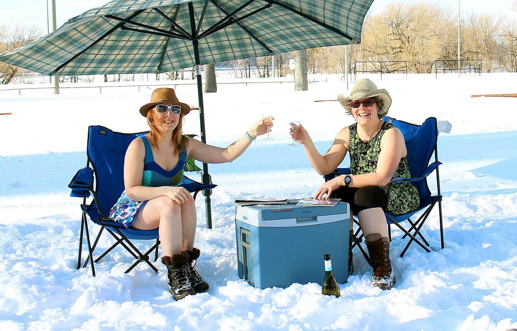 Les sœurs Irène et Marielle Lumineau, expats françaises savourant un printemps précoce dans leur patrie d'adoption. L'adjectif «maudites» ne les devance plus.