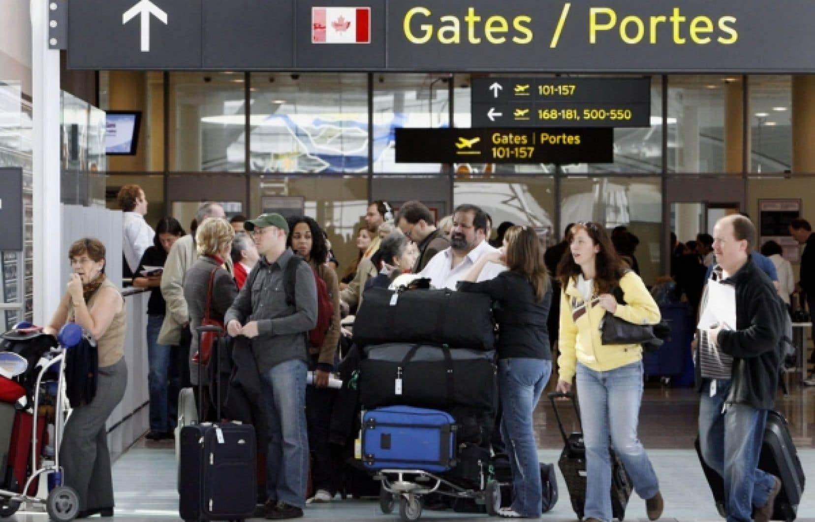 En vertu de la loi C-42, le Canada fournira aux États-Unis des renseignements sur les voyageurs aériens canadiens qui survoleront — sans s'y poser — le territoire américain. <br />