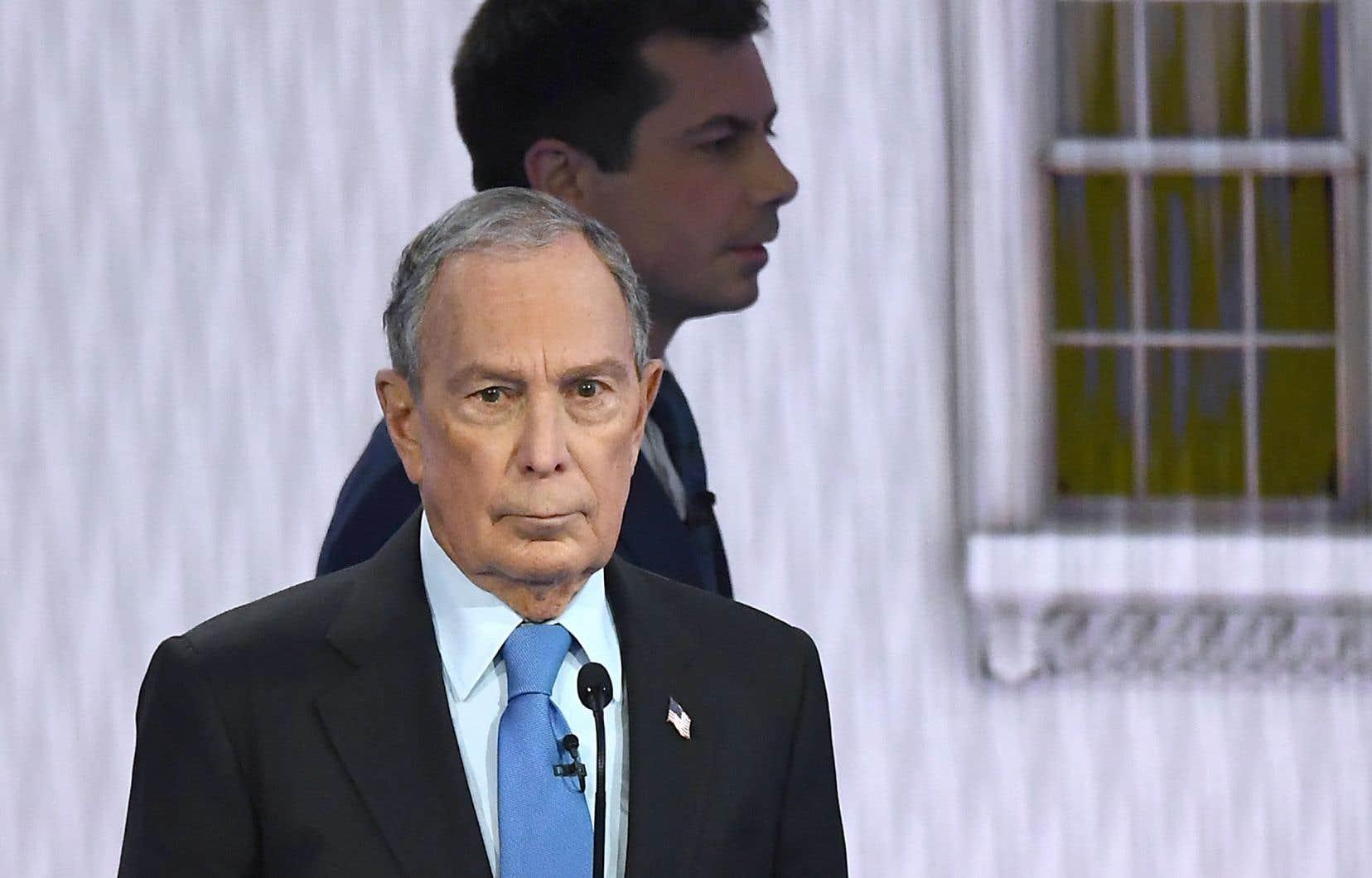 L'ancien maire de New York, Michael Bloomberg (au premier plan), et l'ancien maire de South Bend,Pete Buttigieg (en arrière-plan)