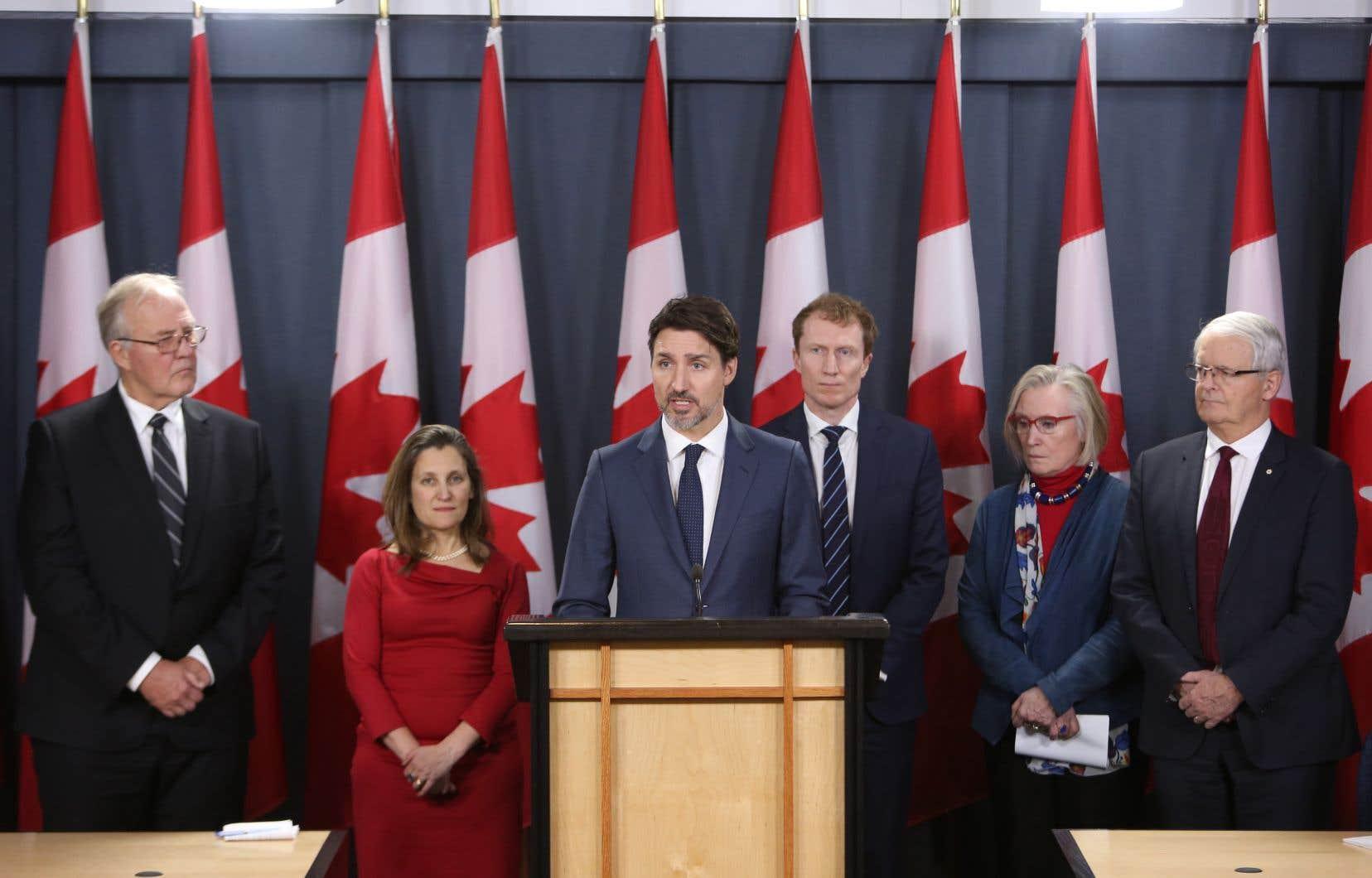 «La situation actuelle est inacceptable et intenable», a dit Justin Trudeau lors d'une conférence de presse au terme d'une rencontre avec ses ministres.