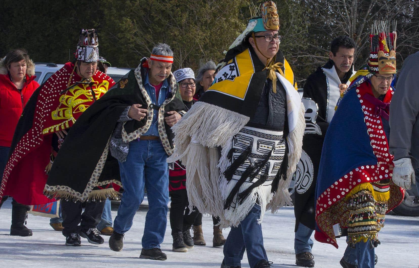 Les chefs héréditaires des wet'suwet'en, une Première nation de Colombie-Britannique, sont arrivés samedi à Kahnawake.