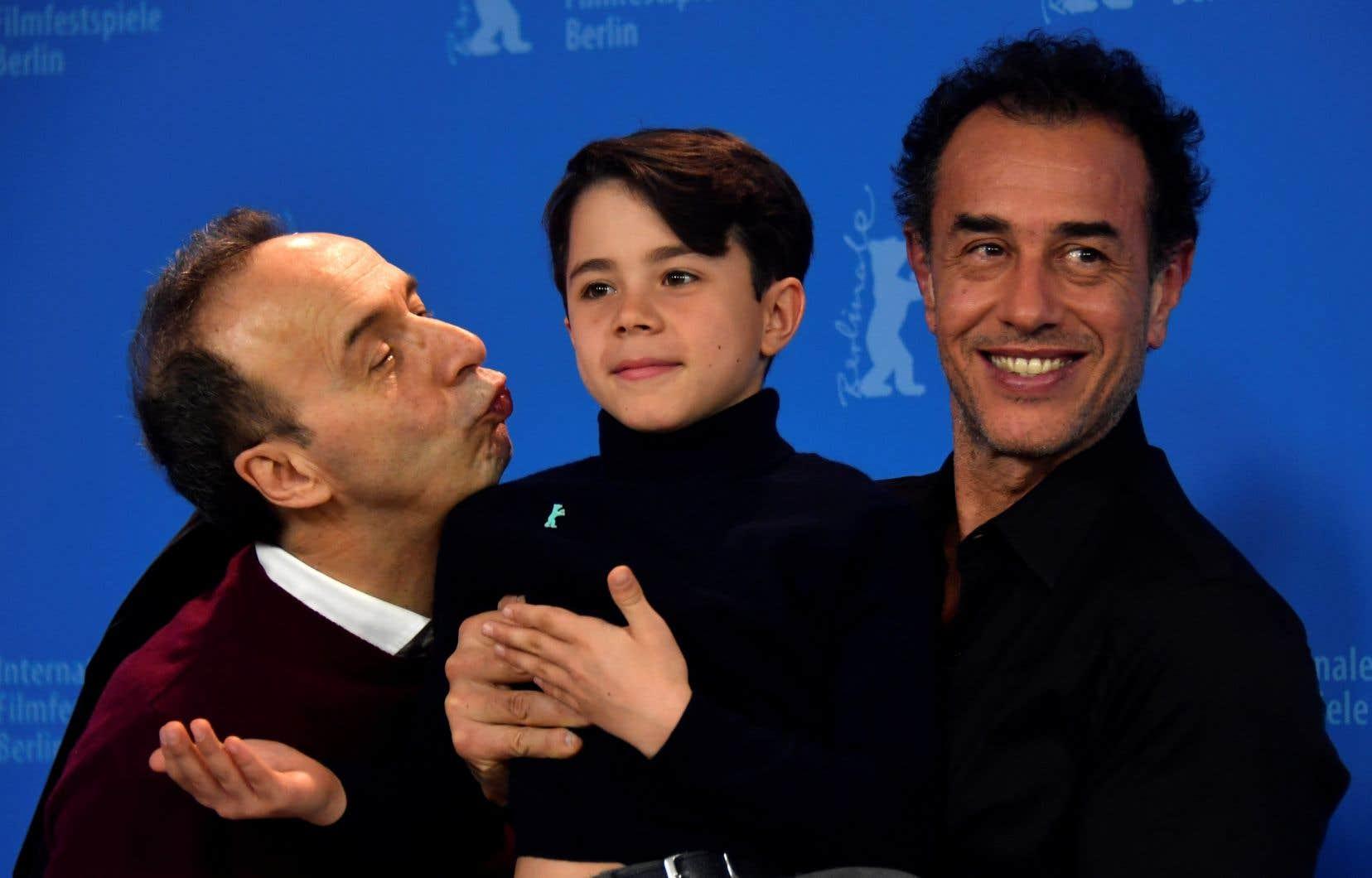 Roberto Benigni (à gauche) incarne Gepetto dans le nouveau film sur Pinocchio, présenté dimache à Berlin.