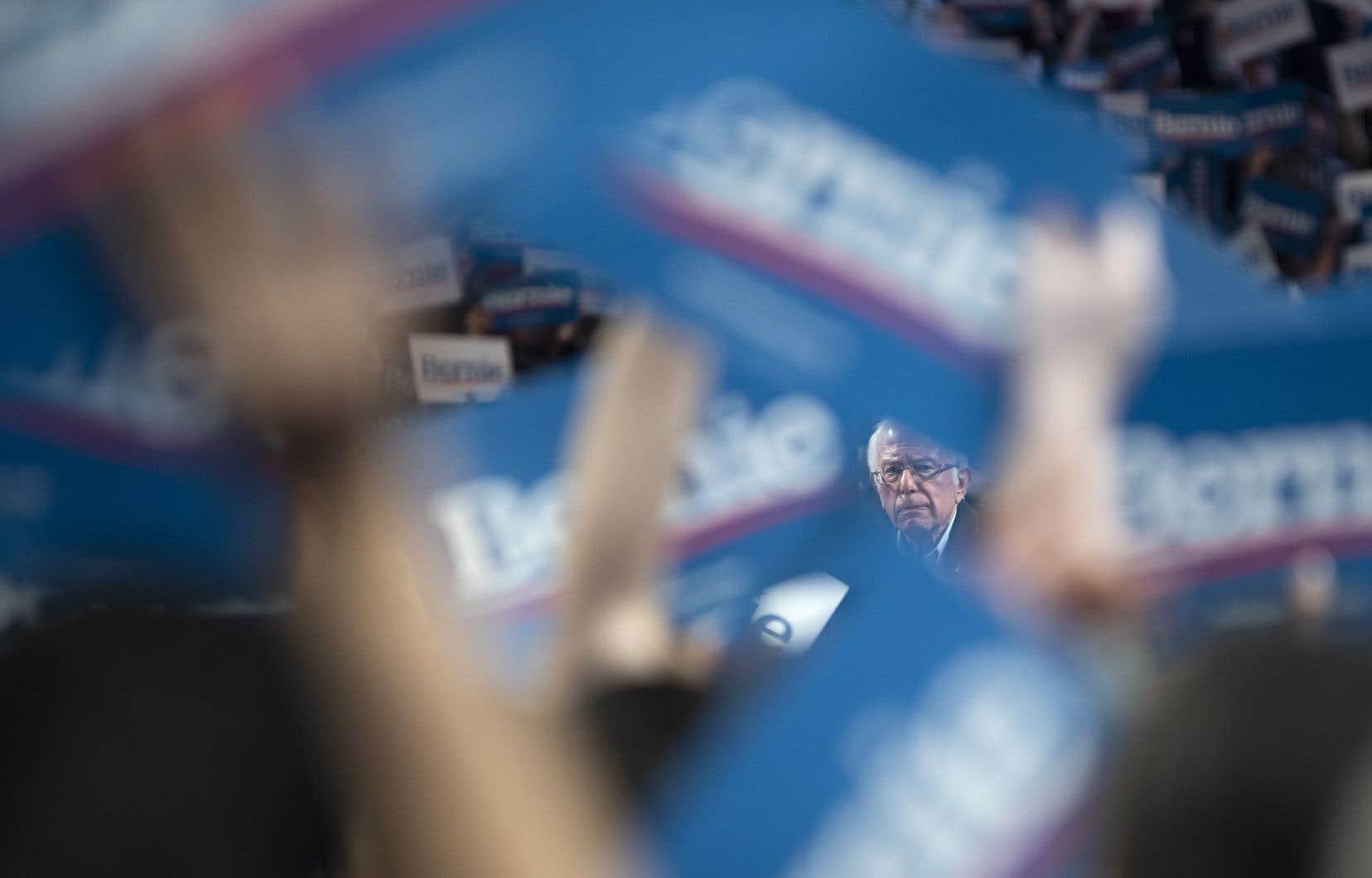 Bernie Sanders caracole en tête des sondages nationaux avec 29,3% des intentions de vote, selon une estimation du site RealClearPolitics.