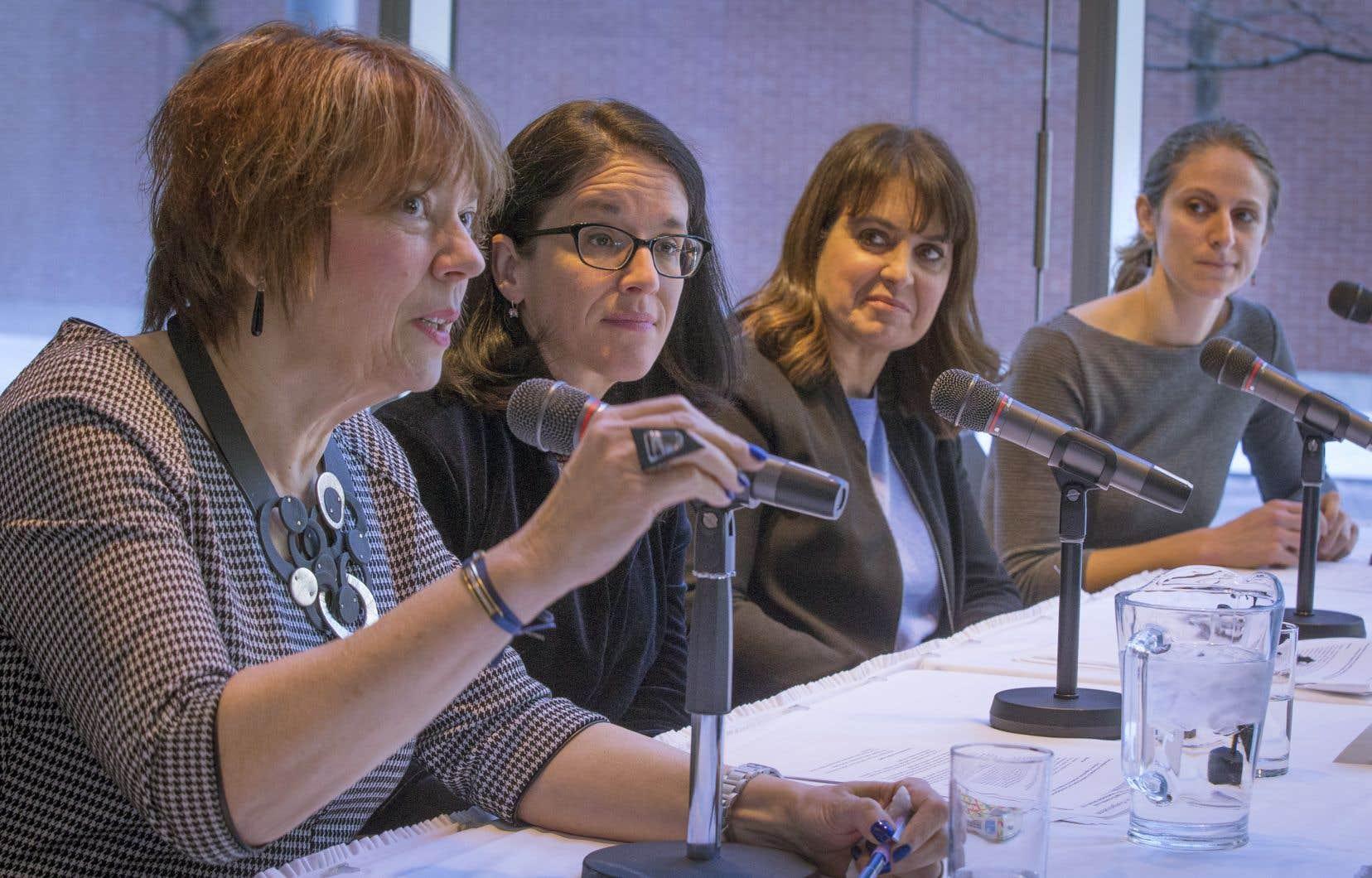 Hélène David, Sonia Lebel, Véronique Hivon et Christine Labrie en mars 2019, lors de la mise sur pied du comité d'experts sur l'accompagnement des victimes d'agressions sexuelles et de violence conjugale.