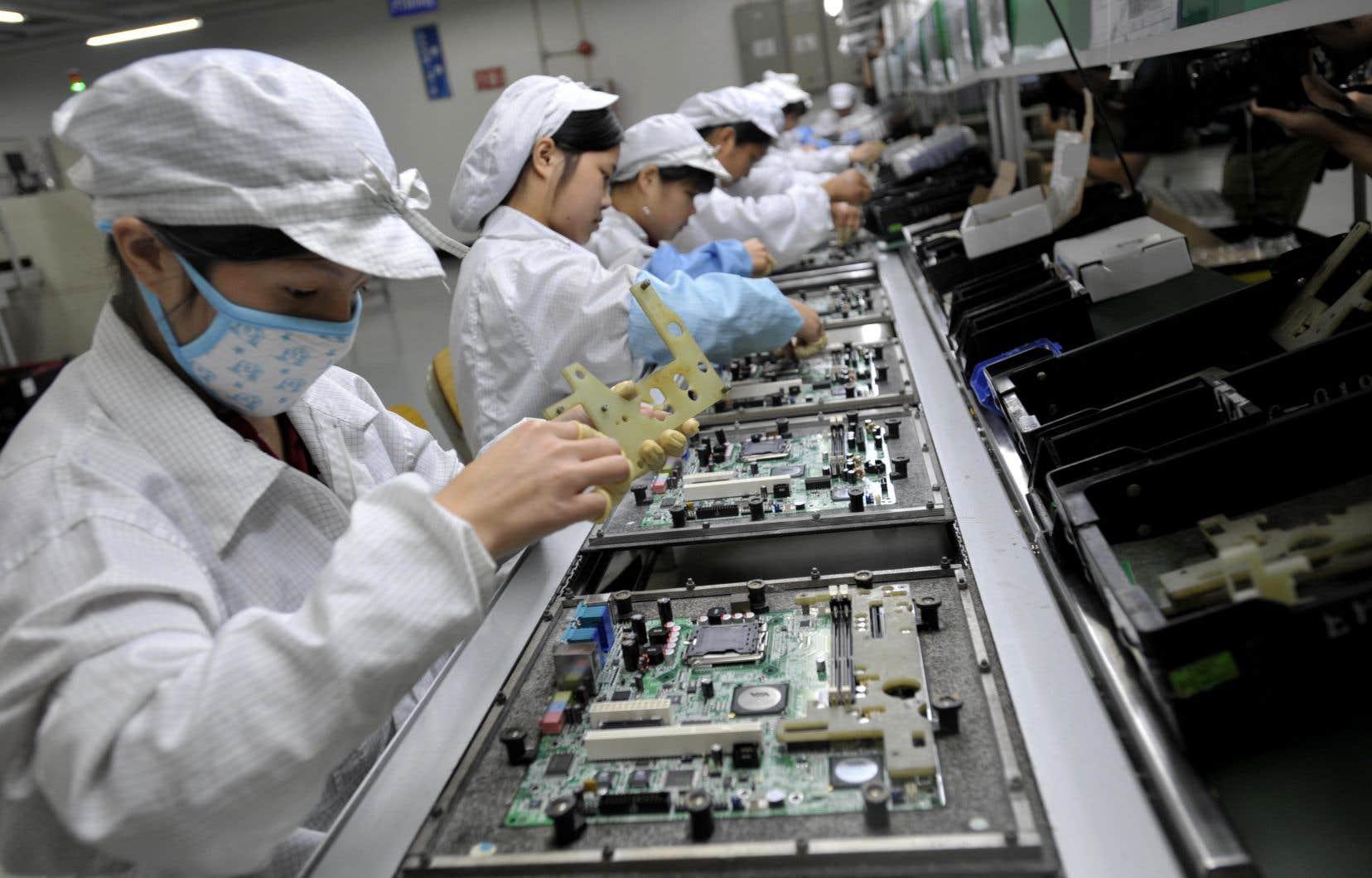 Le coronavirus est-il en train de changer la donne dans les échanges internationaux, qui se sont accélérés depuis plus d'une trentaine d'années, faisant de la Chine la plus grande usine du monde?