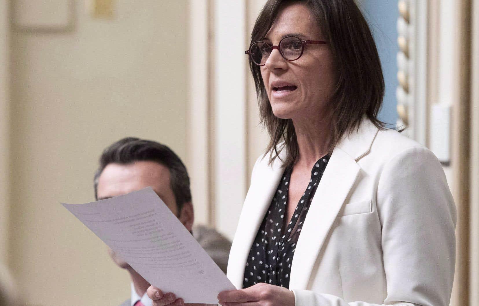 Il y a un «<em>momentum</em>» actuellement au Québec pour agir dans le domaine de la violence conjugale, estime Isabelle Charest, ministre responsable de la Condition féminine.