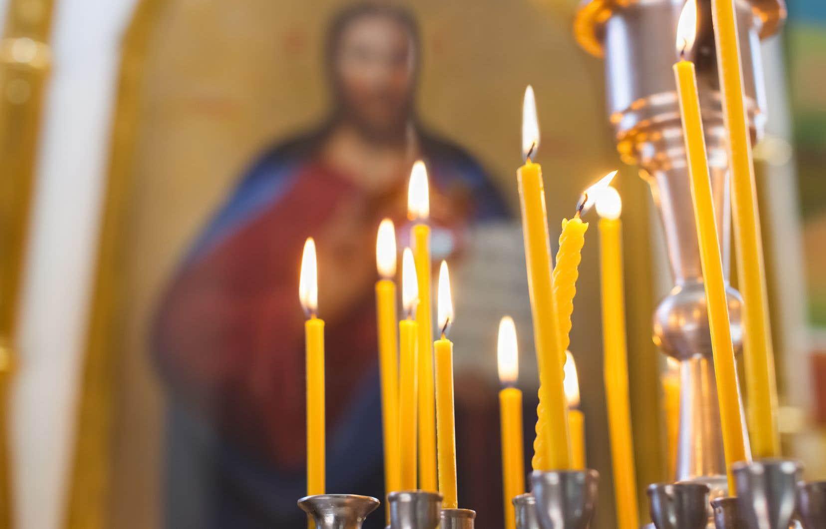 «Plus la présence religieuse s'accroit, moins la connaissance des faits scientifiques et moins la confiance envers la science sont élevées», rappellent les auteurs.
