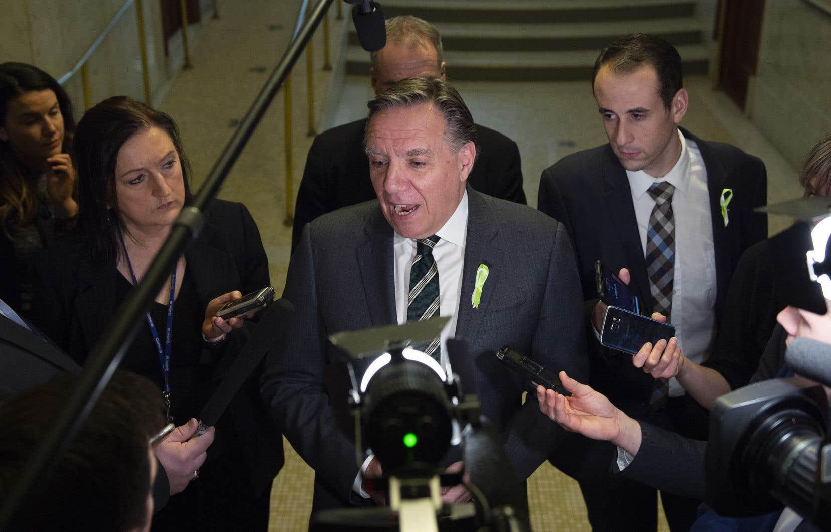 François Legault a dit qu'il n'écartait pas la possibilité de poursuivre le «Journal de Montréal».