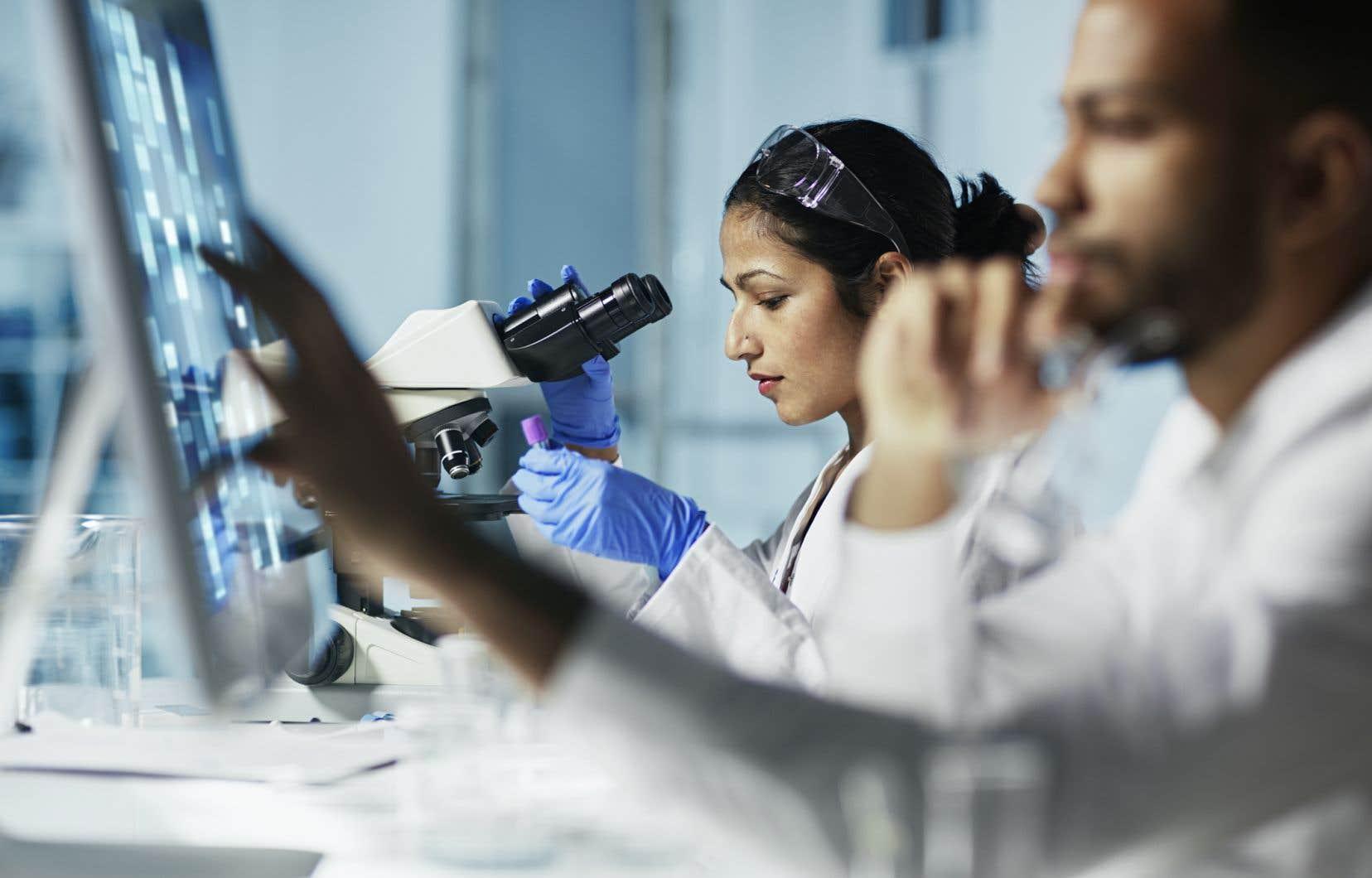 Les femmes ont davantage le syndrome de l'imposteur que les hommes et se voient moins comme des expertes, souligne Maïka Sondarjee, codirectrice de Femmes expertes.